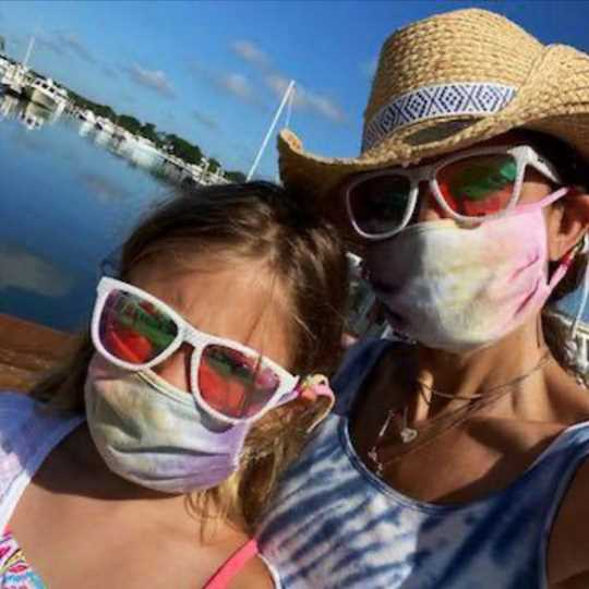 Bethenny Frankel and Daughter Bryn, 10, Wear Matching Tie-Dye Face Masks: 'The New Abnormal'