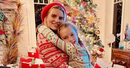 Jessica Simpson and Daughter Max Are 'Twins' in Cute Christmas Pajamas