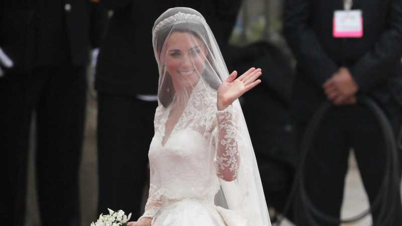 The Sad Truth About Meghan Markle And Kate Middleton's Wedding Dress Maker