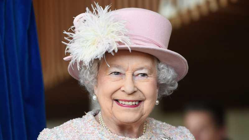The Surprising Number Of Bathrooms Queen Elizabeth's Main Home Has