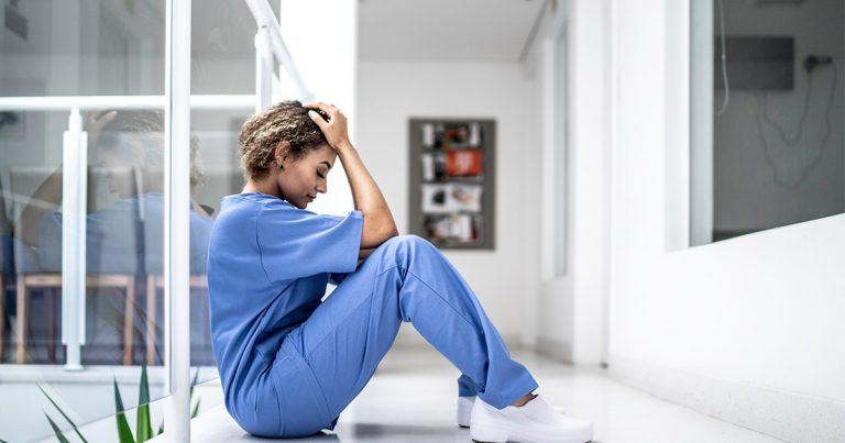 Women, critical care physicians report highest level of burnout