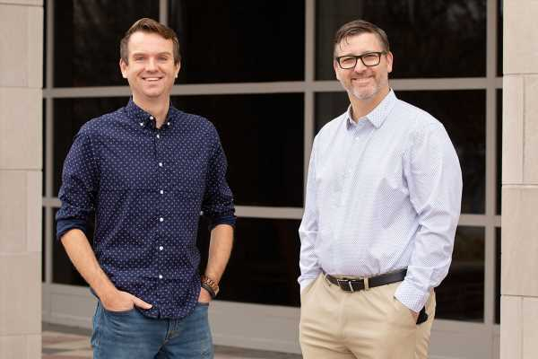 Mobile app helps young adults talk with friends about risky drug, alcohol use