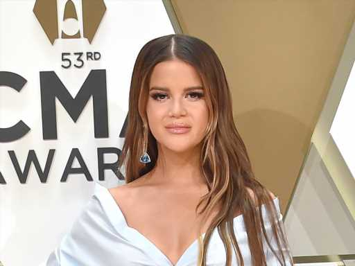 Maren Morris Posts Nearly Nude Photo as a Rebuke to Post-Baby 'Bounce Back' Pressure