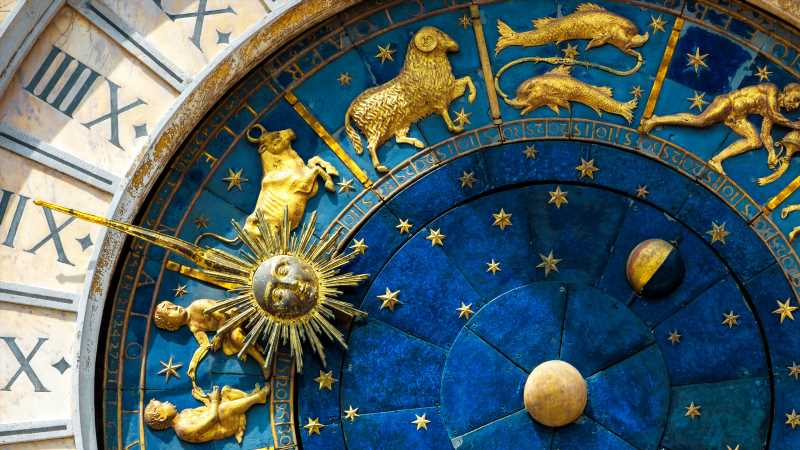 What Your Zodiac Sign Says About Your Fashion