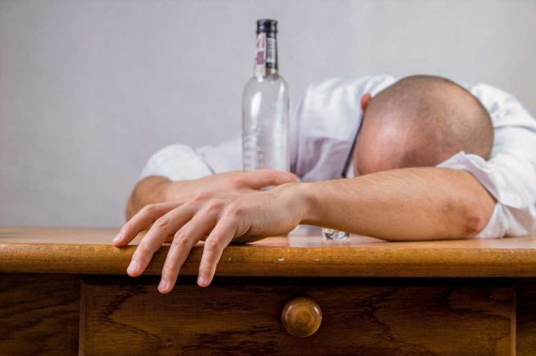 Alcohol remains in top position for Australian drugs of concern