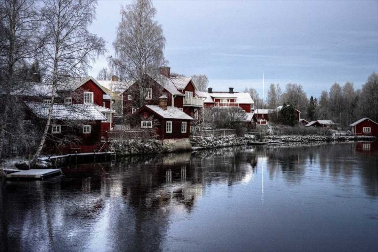 Sweden to lift most COVID measures